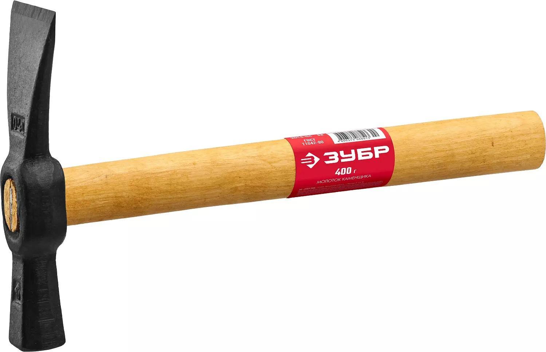 Молоток каменщика с деревянной рукояткой