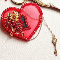"""Набор для вышивания хрустальными бусинами """"Брошь Ключ к сердцу"""", 6х6,5 см, арт. 99-Б-05"""