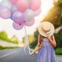 """Холст с красками """"Девочка и воздушные шары"""" (14 цветов)"""